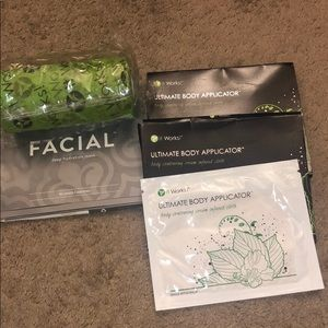 Brand New It Works! Set.